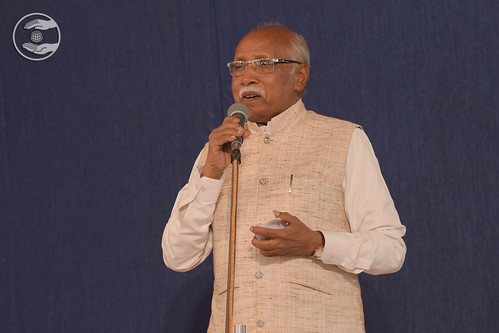 Mohan Damniya Ji presented Hindi Kavita daman GJ
