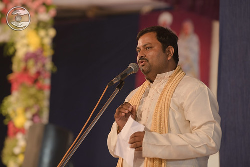 Hindi Kavita by Rajesh Yadav, Navsari GJ