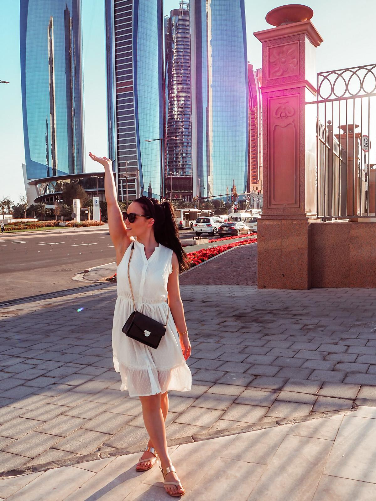 Corniche Street ja Etihad Towers