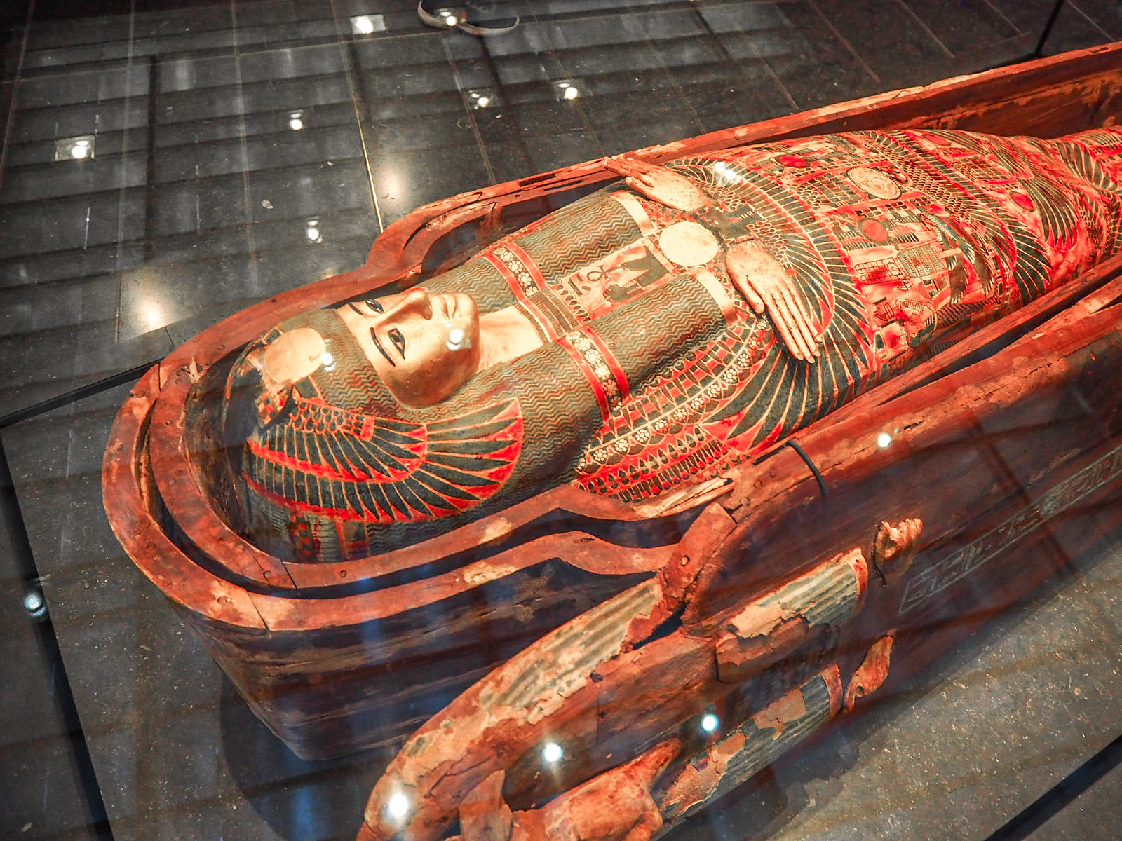 Mummy Louvre Abu Dhabi