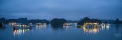 Nuit tombante sur la baie d'Ha Long