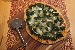 Spinat-Mozzarella-Pizza (zum Teilen)