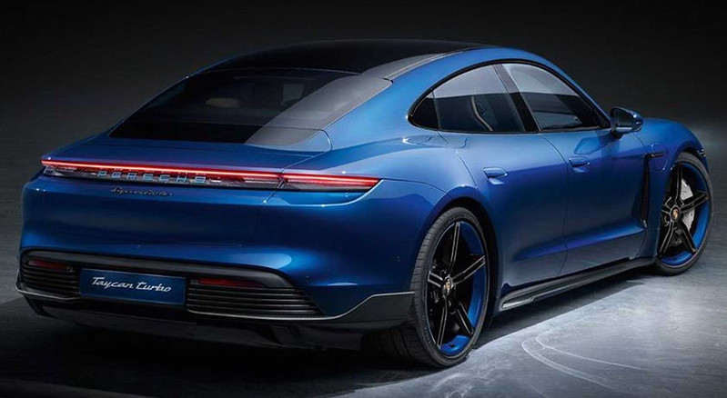porsche-taycan-with-sportdesign-package-carbon (2)