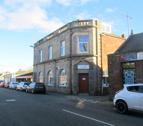 Leanings to Art Deco, Turriff