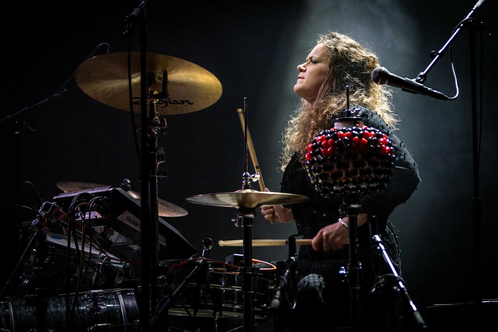 Trixie Whitley @ Roma 02-20--16