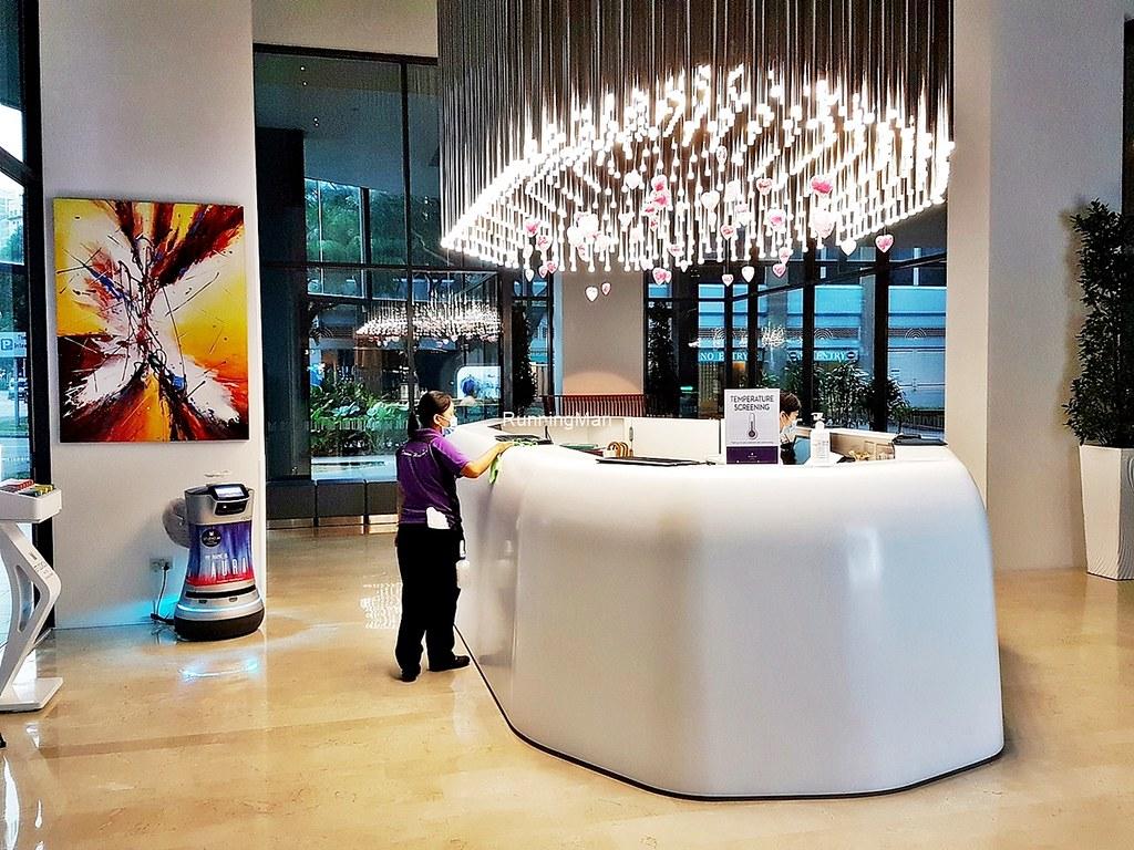 Studio M Hotel 10 - Lobby