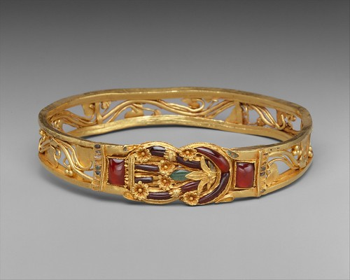 Gold armband with Herakles knot | Greek | Hellenistic | The Met 1999.209