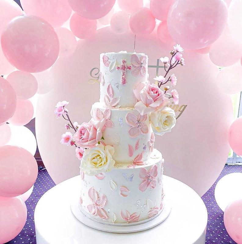 Cake by Amanda's Bakehouse