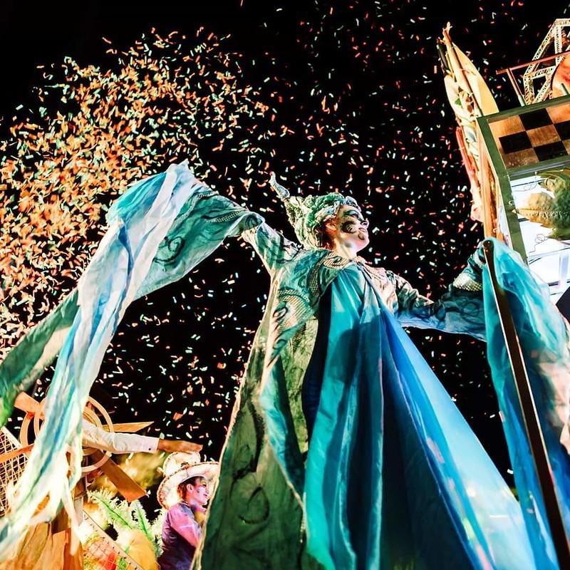 Una verdadera Evolución efectos especiales, música y color en el Carrusel (4)