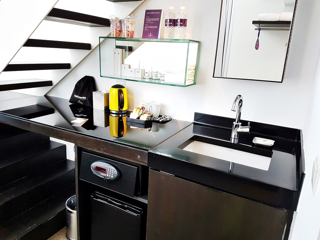 Studio M Hotel 03 - Kitchenette