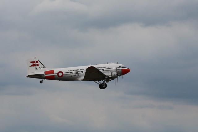 2019-06-05; 0366. Douglas C-47A Skytrain (1944), OY-BPB, K-682, 'Gamle Dame'. Mass departure to Normandy. Daks over Normandy, Duxford.
