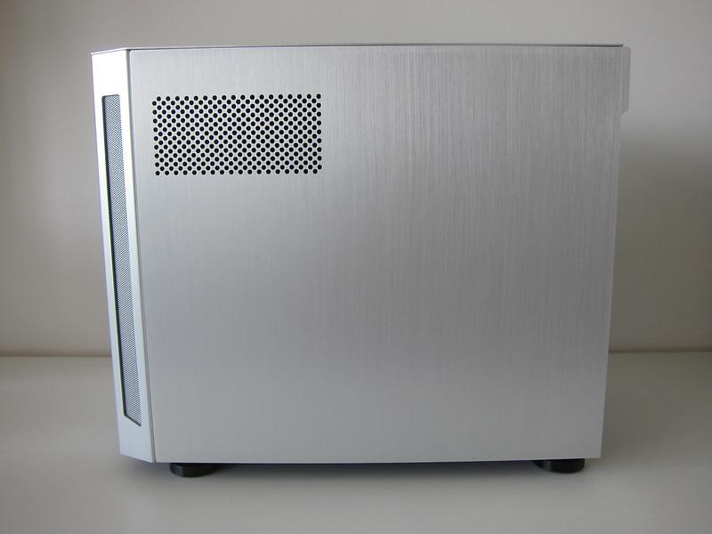 Lian Li TU150 (Silver) - Right