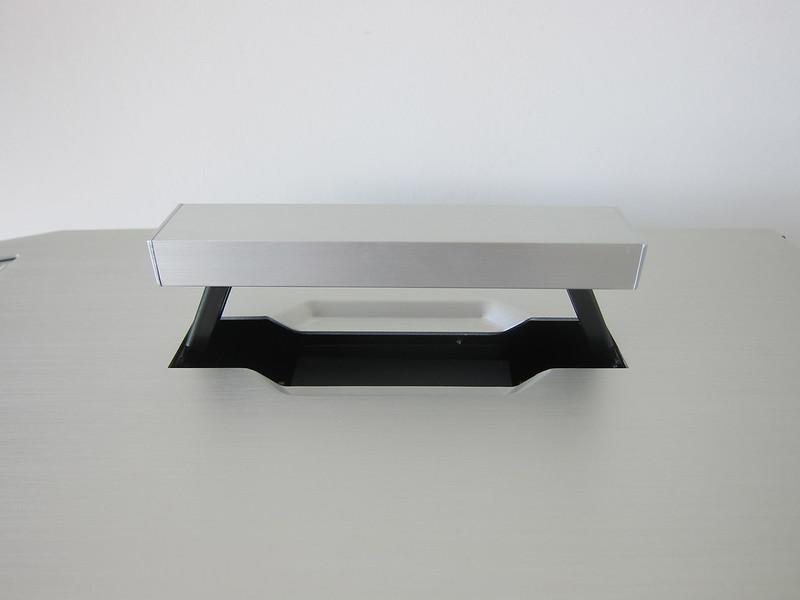 Lian Li TU150 (Silver) - Top - Handle