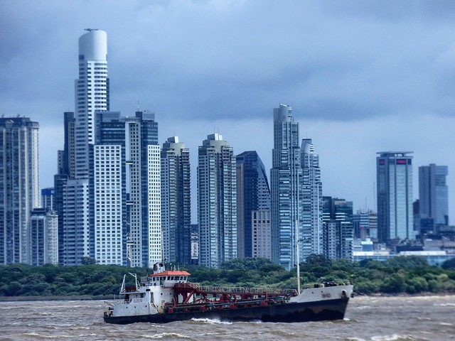 Sailing to Buenos Aires