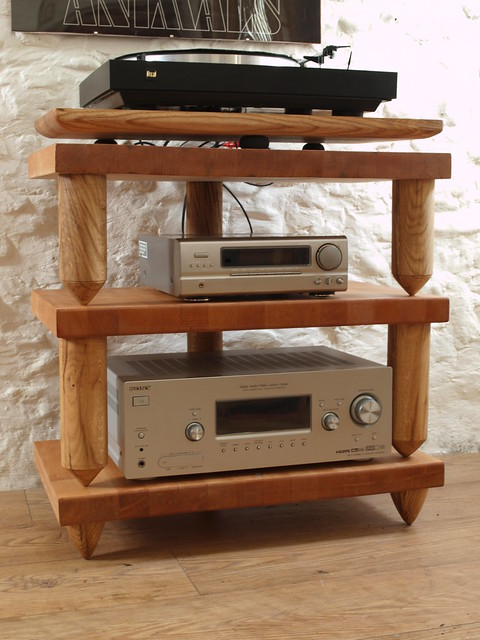 Bespoke Beech block three tier decoupled hifi rack with Oak turned legs & suspended turntable platform.Inset bubble level to each tier.