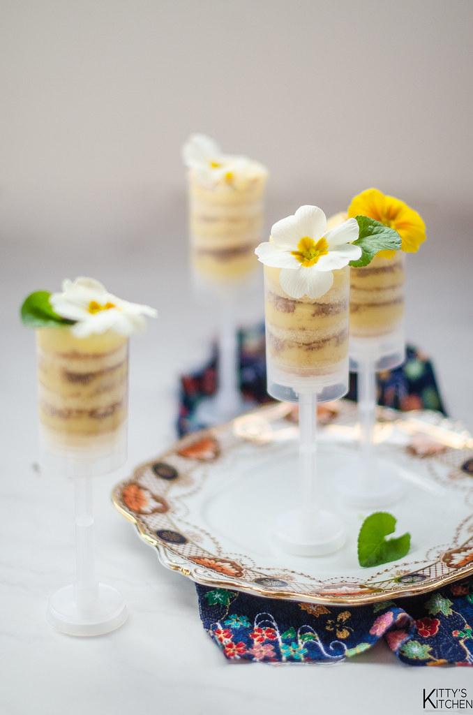 Mimosa Cake Pop