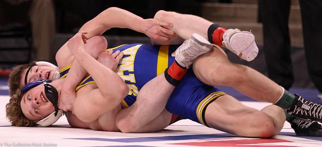 138AAA Semifinal - Nick Novak (New Prague) 47-5 won by decision over Cole Becker (St Michael-Albertville) 46-8 (Dec 2-0) - 200229amk0141