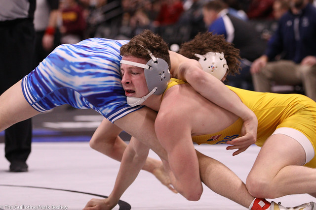 152AAA Semifinal - Landen Johnson (Owatonna) 48-2 won by major decision over Chase Bloomquist (Prior Lake) 37-9 (MD 13-4) - 200229amk0185