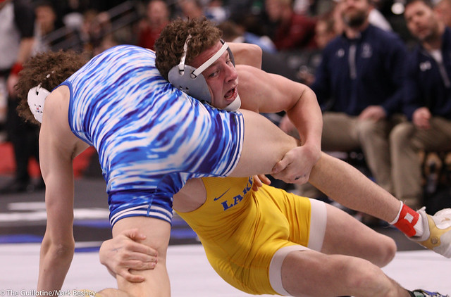 152AAA Semifinal - Landen Johnson (Owatonna) 48-2 won by major decision over Chase Bloomquist (Prior Lake) 37-9 (MD 13-4)200229amk0182
