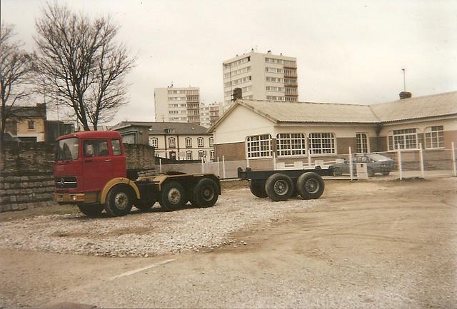 Mercedes-Benz LPS 2024 ? 6/4X2 tracteur semi 1970-74