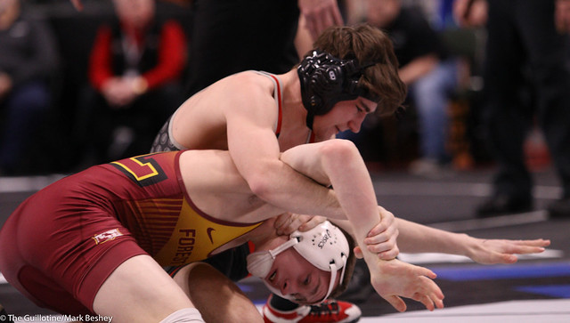 132AAA Semifinal - Reid Ballantyne (Stillwater) 34-2 won by major decision over Dan Vanacker (Forest Lake) 38-12 (MD 12-3) - 200229amk0104