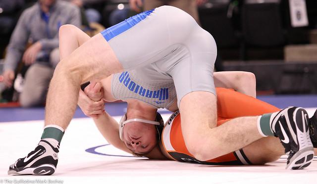 220AAA Semifinal - Cade Barrett (Brainerd) 29-5 won by major decision over Jagger Schack (Osseo) 33-6 (MD 9-1) - 200229amk0362