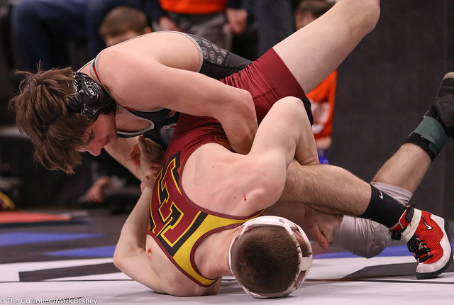 132AAA Semifinal - Reid Ballantyne (Stillwater) 34-2 won by major decision over Dan Vanacker (Forest Lake) 38-12 (MD 12-3) - 200229amk0097
