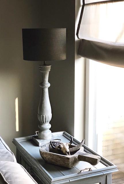 Tafellamp landelijk sober vouwgordijn houten schep