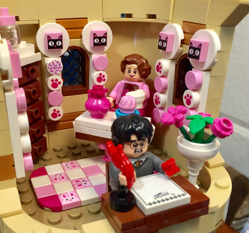 Dolores Umbridge's office upgrades with the new Dots pieces