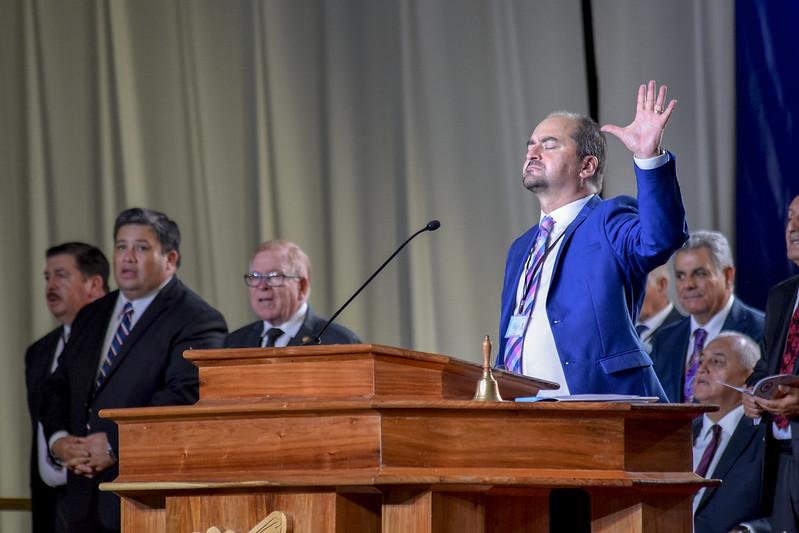 """""""Yo haré contigo misericordia"""": Culto de Ungimientos, Ascensos y Cena del Señor en la 111° Conferencia"""