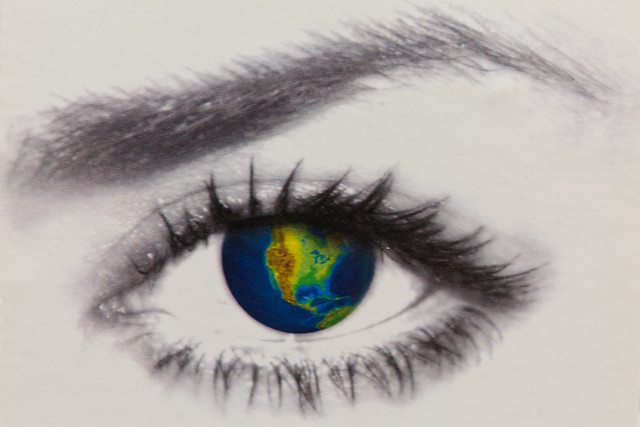 The world's in her eye -[ Eyes of March ]-
