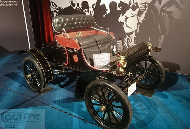 1904 Curved Dash Oldsmobile at Cobble Beach Display at 2020 CIAS