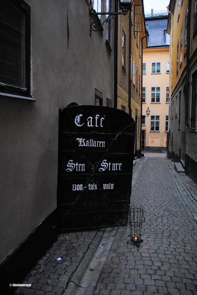 Kellarikahvila Sten Sturen sisäänkäynti