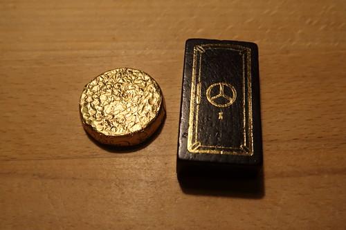 """Elizabeth Shaws Mint Crisp Dark Chocolates zum Brettspiel """"Heimlich und Co"""""""