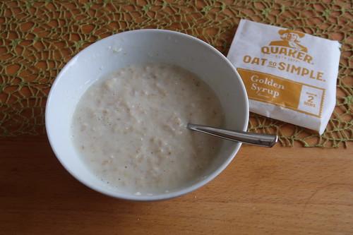 Quaker Oats So Simple Golden Syrup (in 2 Minuten in der Mikrowelle zubereitetes Porridge)