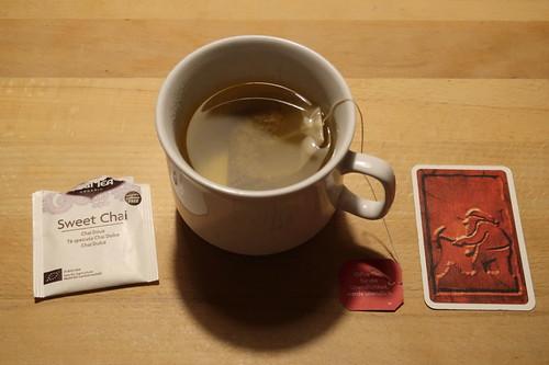 """Sweet Chai Tee zum semikooperativen Kartenspiel """"Saboteur"""""""