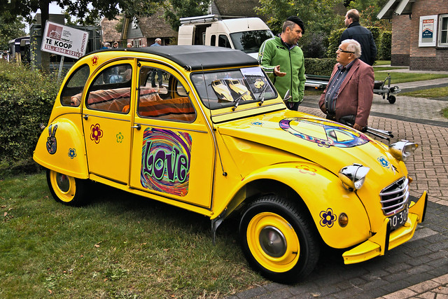 Citroën 2CV LOVE (3361)