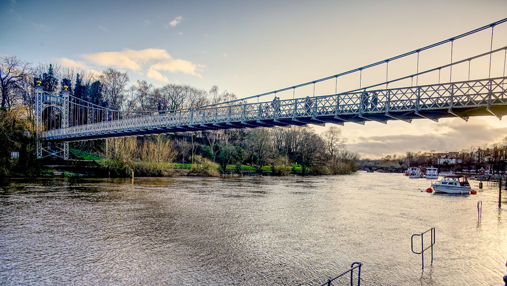 high tide at queens park bridge Chester  01.03.2020