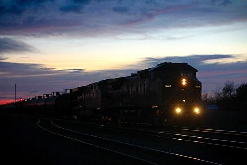 night sunset locomotive train railroad unionpacific bloomington texas