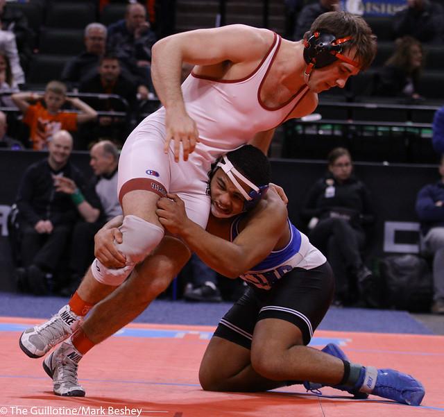 195AAA 1st: RJ Chakolis (Hopkins) 38-4, Jr. over William Busch (New Prague) 45-9, Sr. (SV-1 3-1) - 200229cmk0455