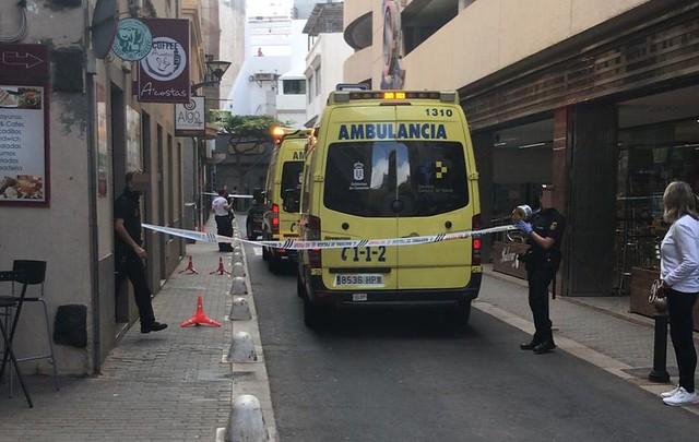 Fallece una mujer en la calle José Molina de Arrecife (02-03-20)