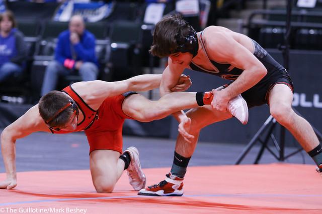 132AAA 1st: Reid Ballantyne (Stillwater) 35-2, Jr. over Ben Lunn (Shakopee) 46-3, Sr. (Dec 6-0) - 200229cmk0195