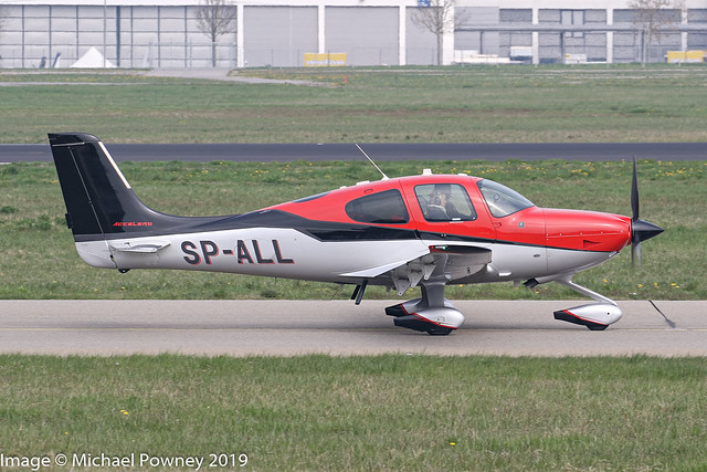 SP-ALL - 2014 build Cirrus SR22T Accelero, taxiing for departure on Runway 24 at Friedrichshafen during Aero 2019