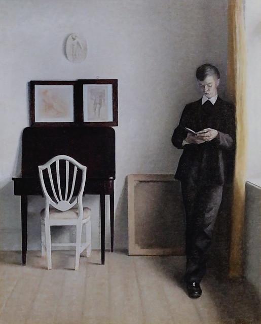 IMG_4969 Vilhelm Hammershoi 1864-1916 Intérieur avec un jeune homme lisant. Interior with a young man reading. 1898 Copenhague Collection Hirschsprung
