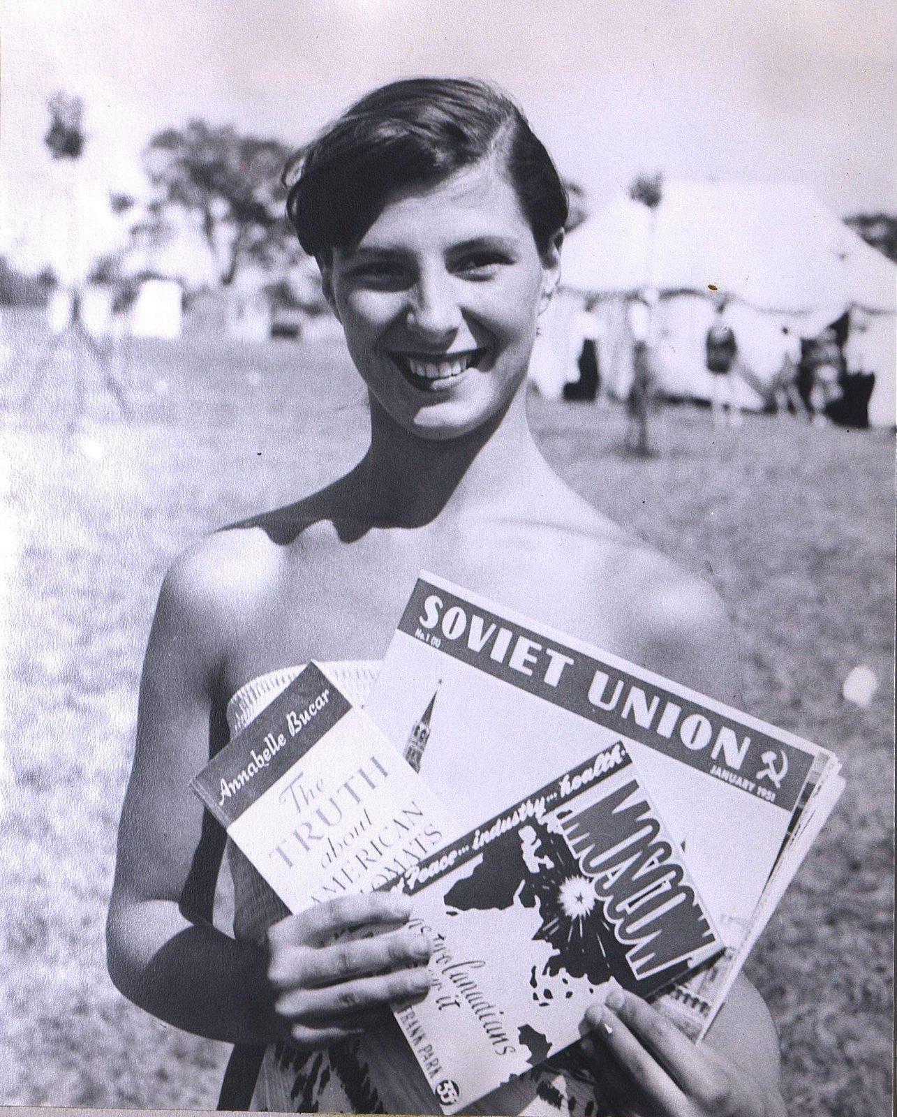 23. 1950-е. «Покупайте литературу о Советском Союзе»