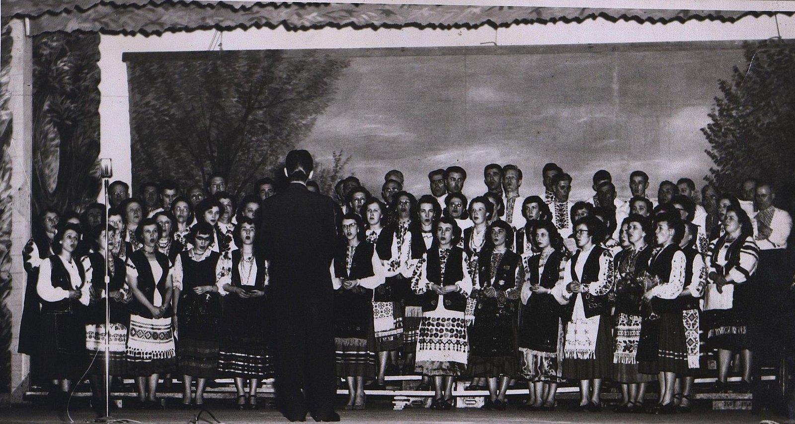 13. 1950-е. Хор ТОУК в Эдмонтоне