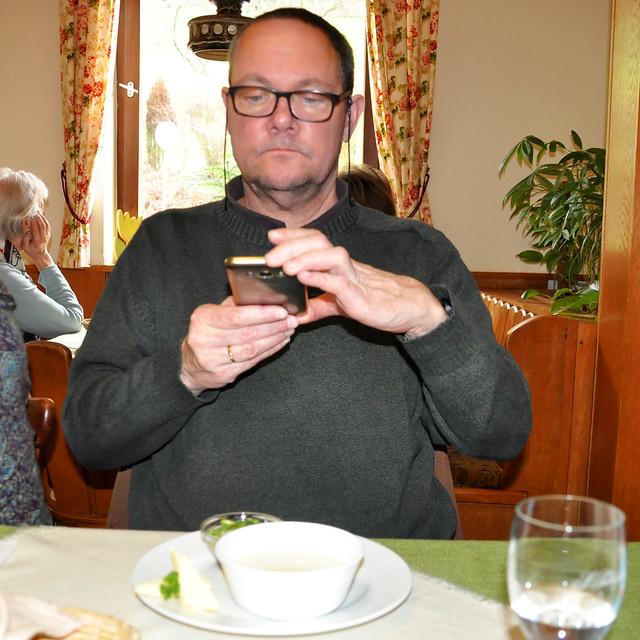 März 2020 ... Handkäs und Kochkäs mit Musik, Spezialiäten im hessischen Odenwald ... Brigitte Stolle