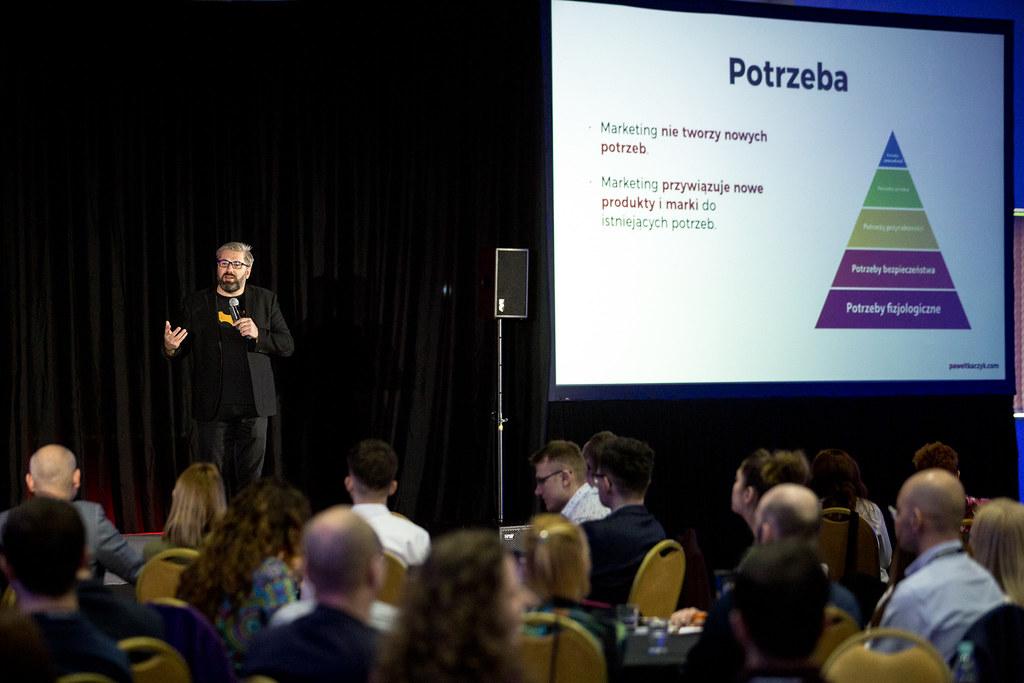 Paweł Tkaczyk mówi, jak zbudować rozpoznawalną markę nazatłoczonym rynku.