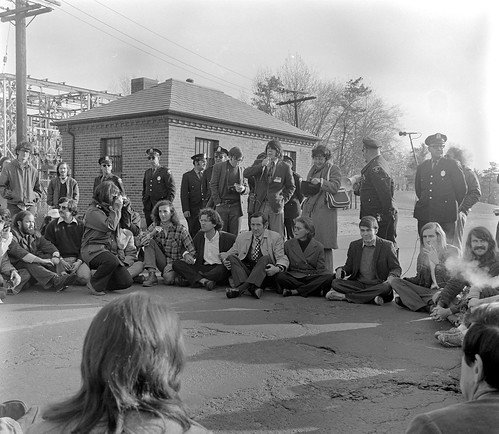 1972: President Ward and Students Protest Vietnam War