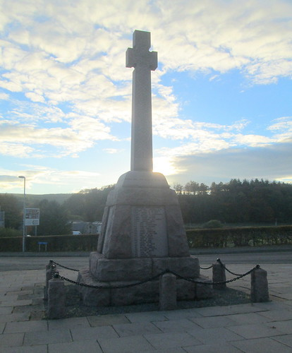 War Memorial, Fyvie, from North